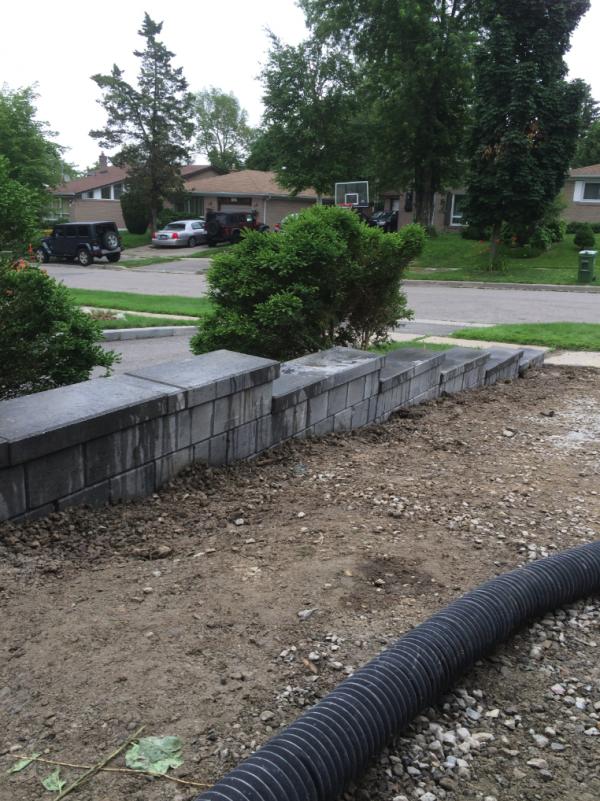 Retaining Wall for interlock stonework