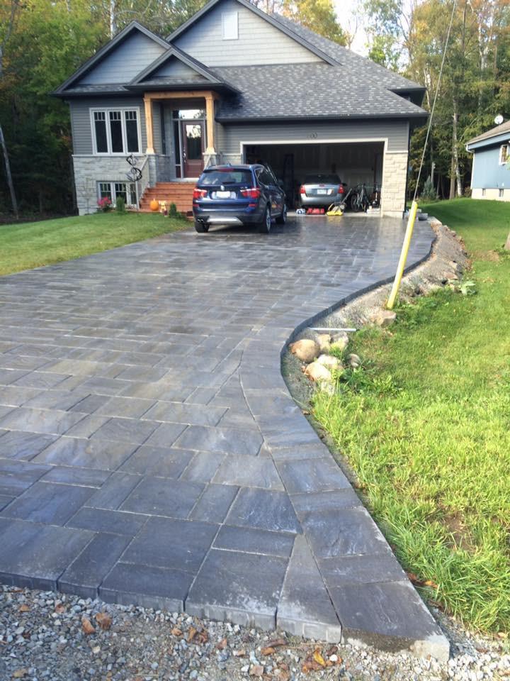 Interlocking Stone Driveway In Barrie, Ontario